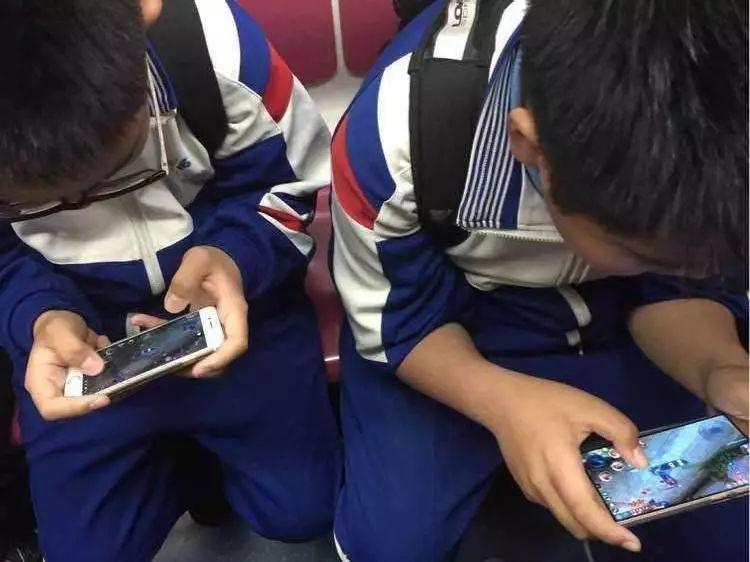把手机游戏全卸载,孩子就没得玩了?图样图森破!!