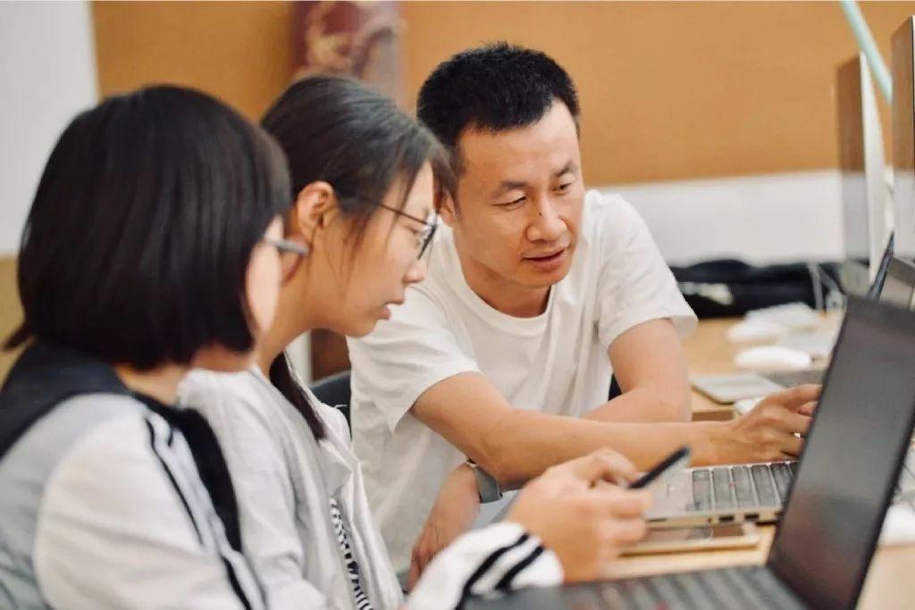 重磅!北师大版儿童编程教材即将出版,橙旭园编写!